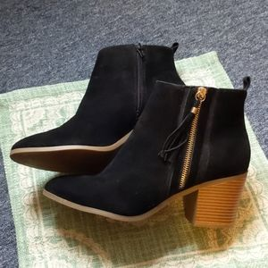 Just Fab black heeled booties 10
